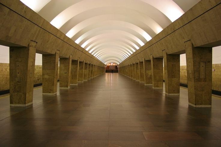 1024px-Metro_SPB_Line1_Vyborgskaya